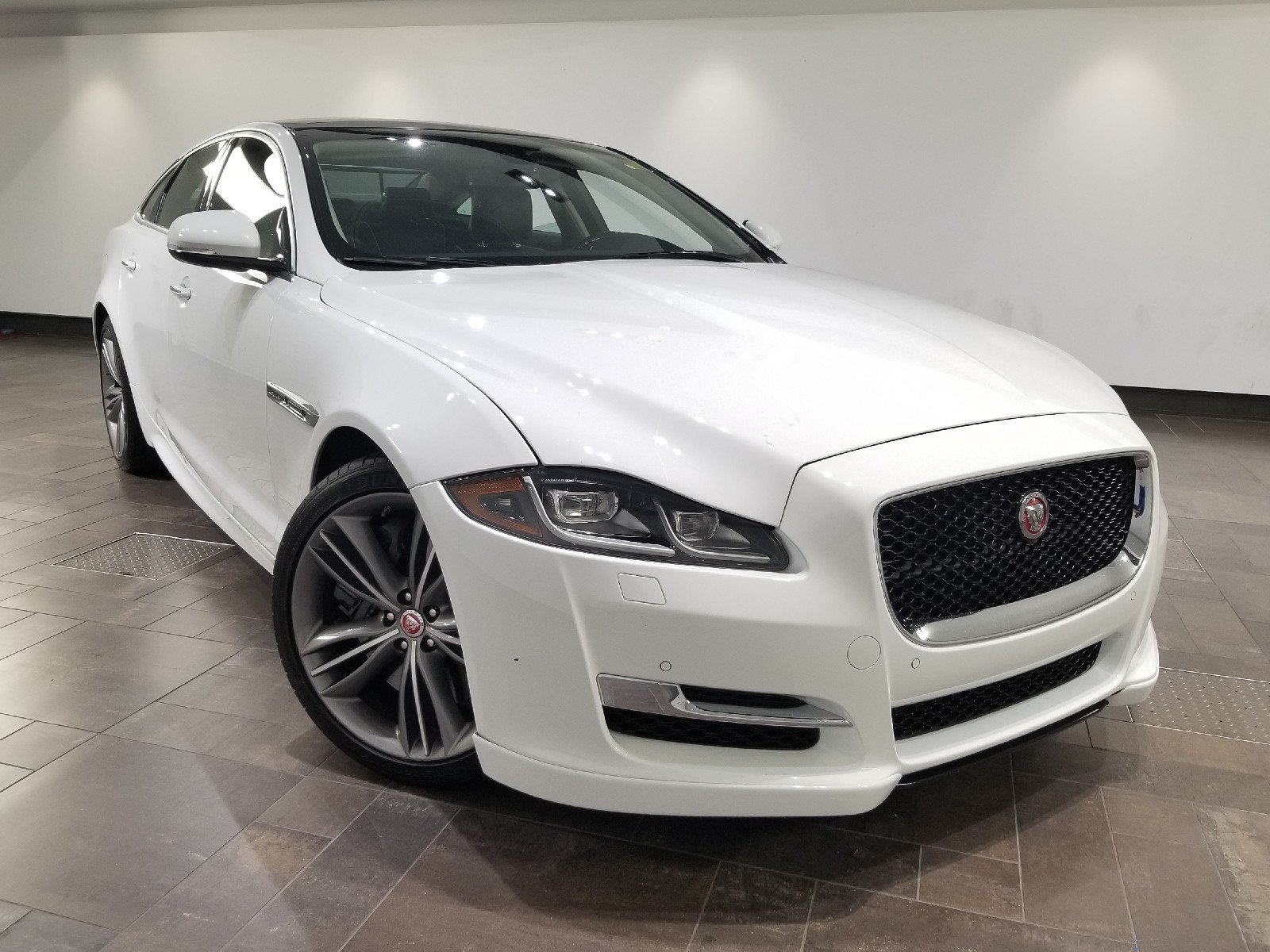 Certified Pre-Owned 2016 Jaguar XJ Supercharged