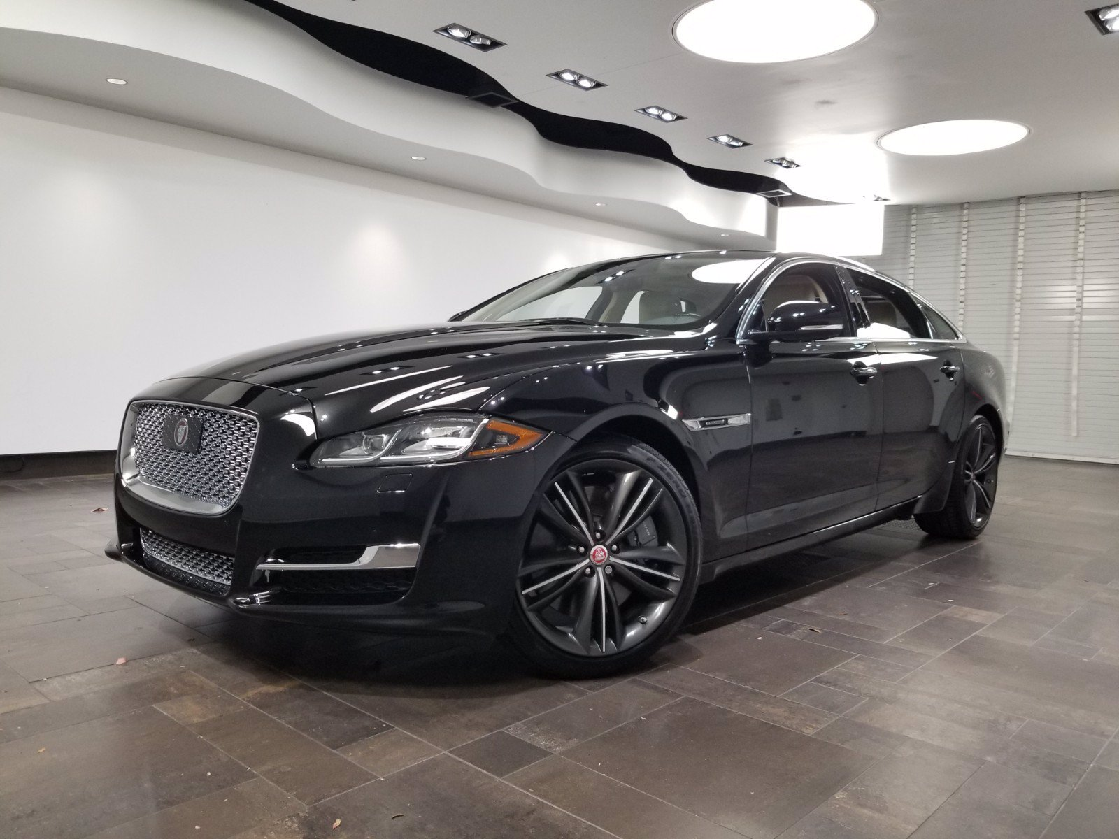 New 2019 Jaguar XJ XJL Collection
