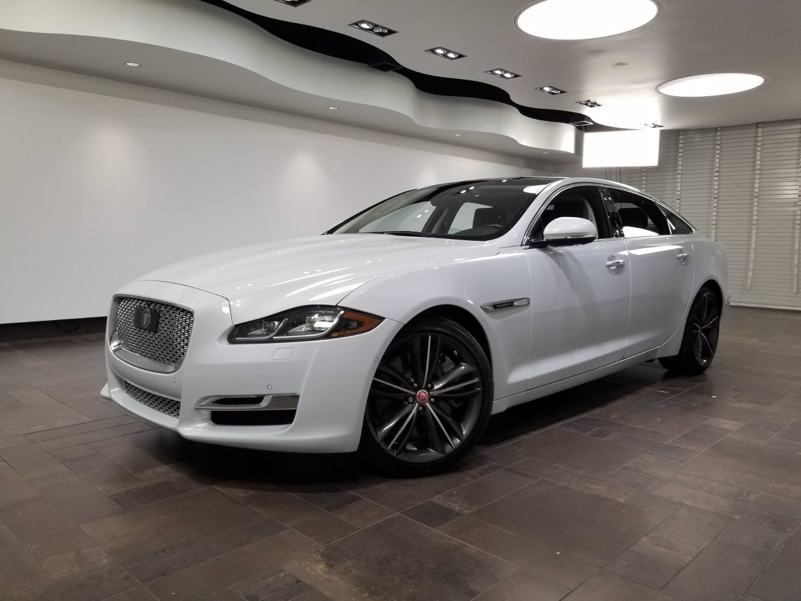 New 2019 Jaguar XJ XJ Collection