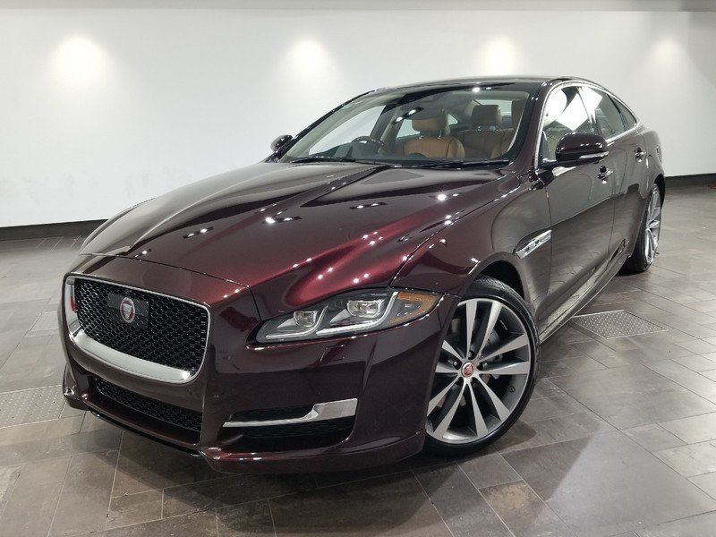 New 2019 Jaguar XJ R-Sport AWD *Special Offer*